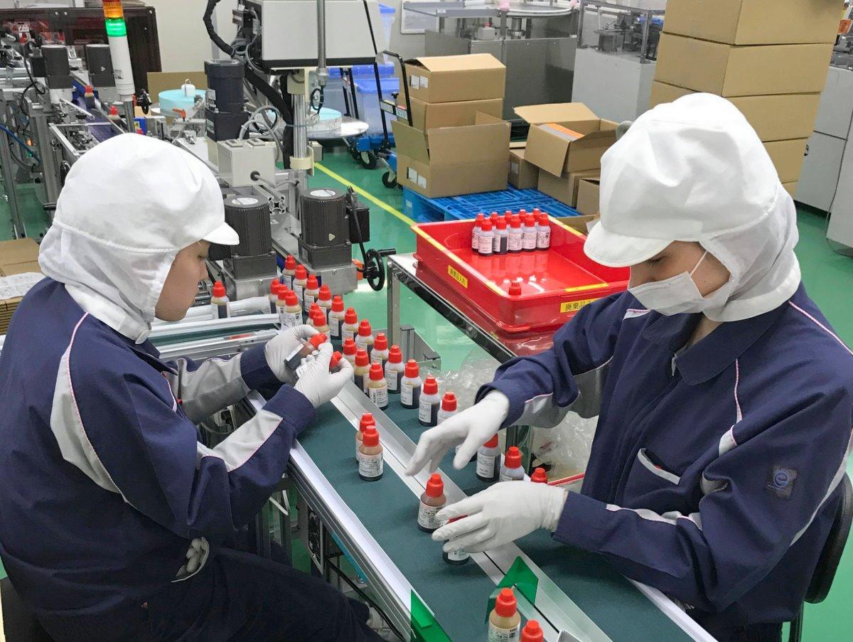 多気町の「万協製薬」がうがい薬増産 普段の3~20倍、新型コロナ影響で(写真提供=万協製薬)