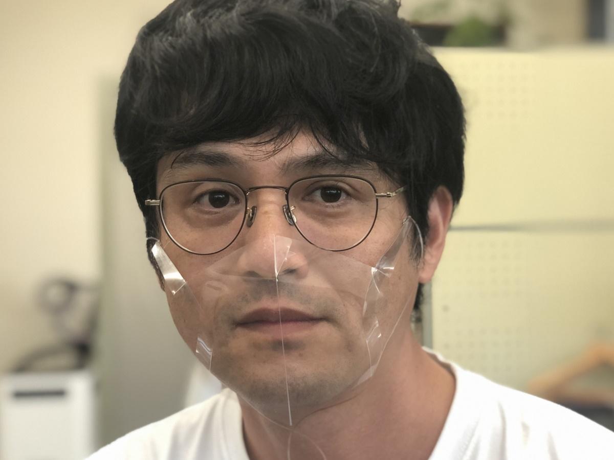 志摩市のデザイン会社が夏でも暑くない透明立体エチケットマスク開発