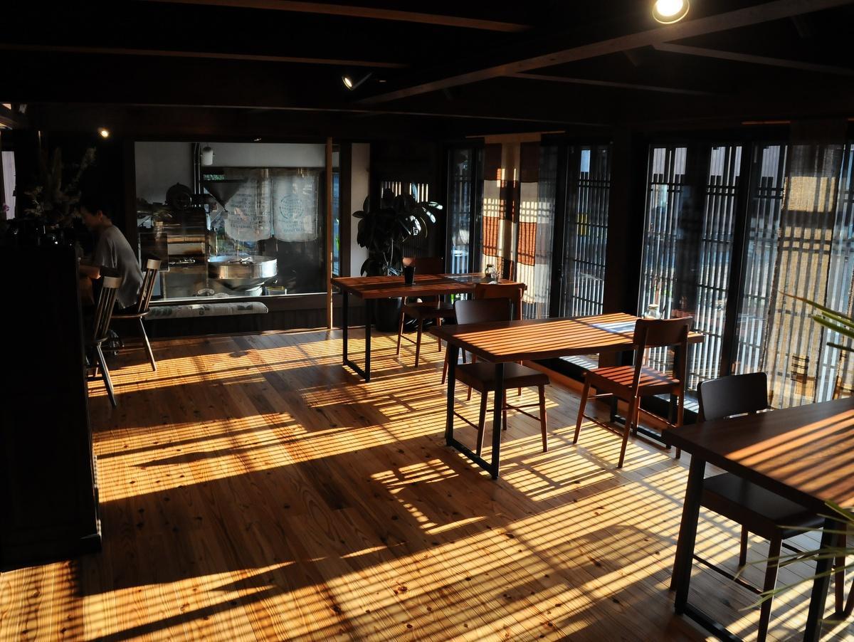 東京の老舗コーヒー店「金川珈琲」店主、多気町に移住し焙煎・カフェ営業