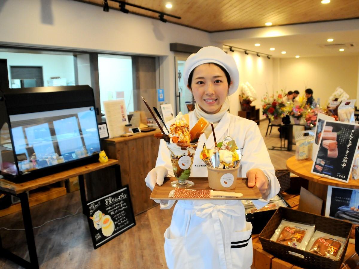 志摩の「きんこ芋工房 上田商店」が安乗埼灯台にカフェ 灯台と朝日と富士山も