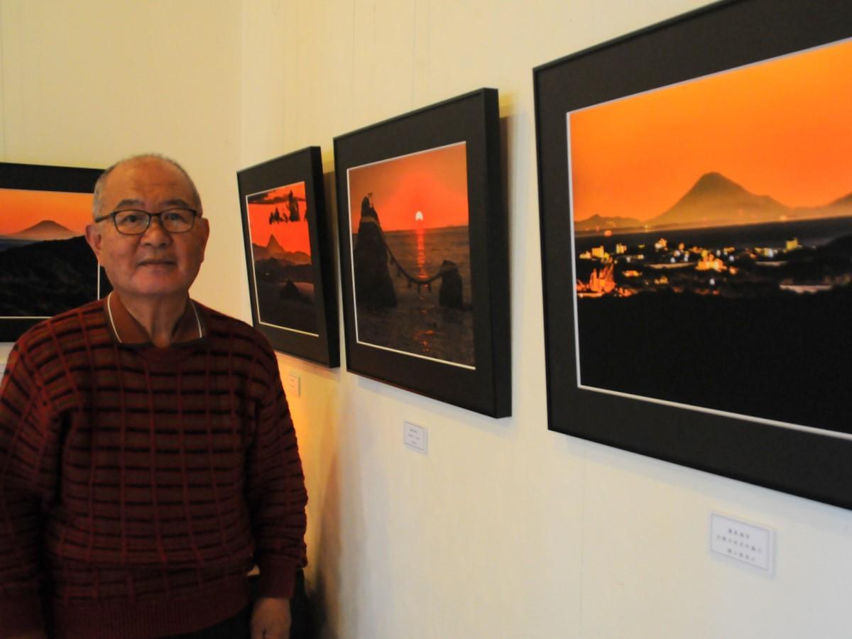 志摩市在住の泊正徳さんが伊勢志摩から撮影した富士山の写真展