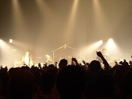 500人の観客が熱狂した「モンゴル800」のライブ