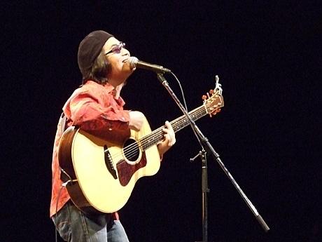 7年ぶりに石垣島でライブを行ったスターダストレビューのギター&ボーカル根本要さん