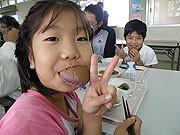 西表島産の黒米を使った黒米粉パン、2月から学校給食に