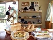 石垣・川平に手作りベーカリーと帽子の店「ピナコラーダ」-カフェも併設