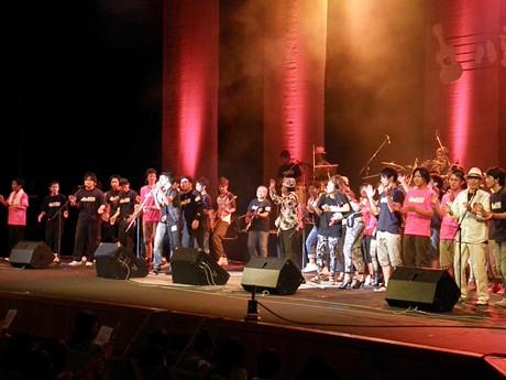 「第13回八重山音楽祭」が石垣市民会館で開かれた