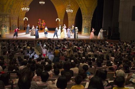 劇団四季の「はだかの王様」が石垣で上演された