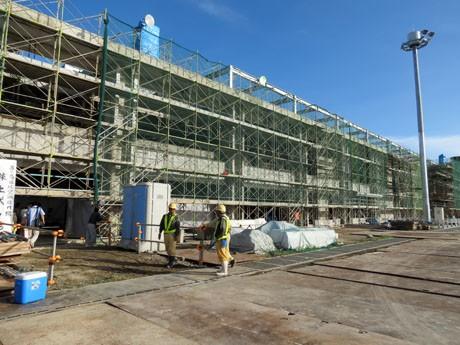 棟上げ式で完成間近の新石垣空港