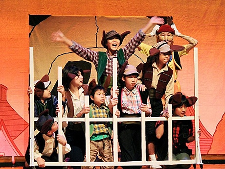 ミュージカル「ピノッキオ」の一幕