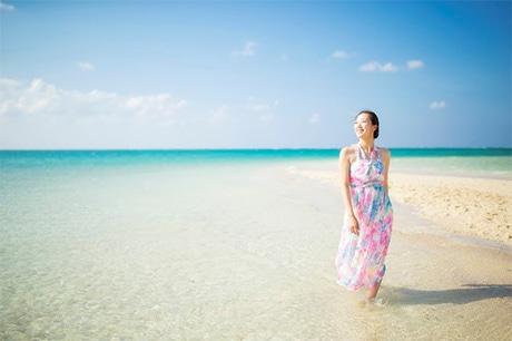 150着の中から選べるリゾートドレスで滞在できる