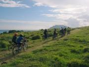 石垣島北部で「凸凹道サイクリング」 小学生11人、2時間で無事完走