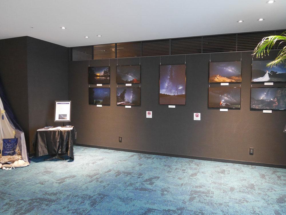 天の川次郎さんの写真作品の展示コーナー