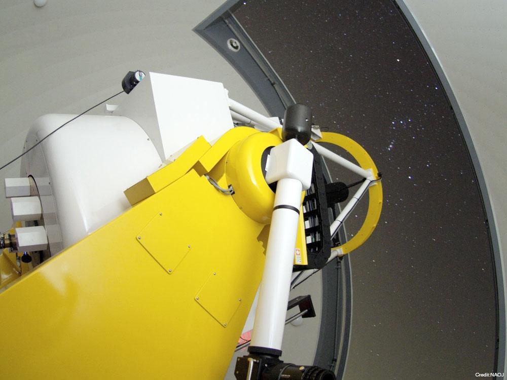 石垣島天文台が運用する九州・沖縄地方最大の光学望遠鏡、105センチむりかぶし望遠鏡「MITSuME」(提供=NAOJ)