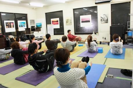 石巻で「ヨガ教室」-ボランティア出身者が本業生かして開講