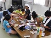 石巻の子どもたちが「あむばむ」作り-仮設団地でワークショップ