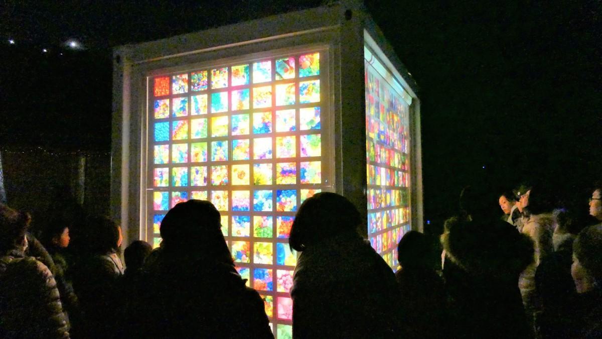 石巻・門脇地区で「光の箱」点灯式 被災した南浜町を照らす