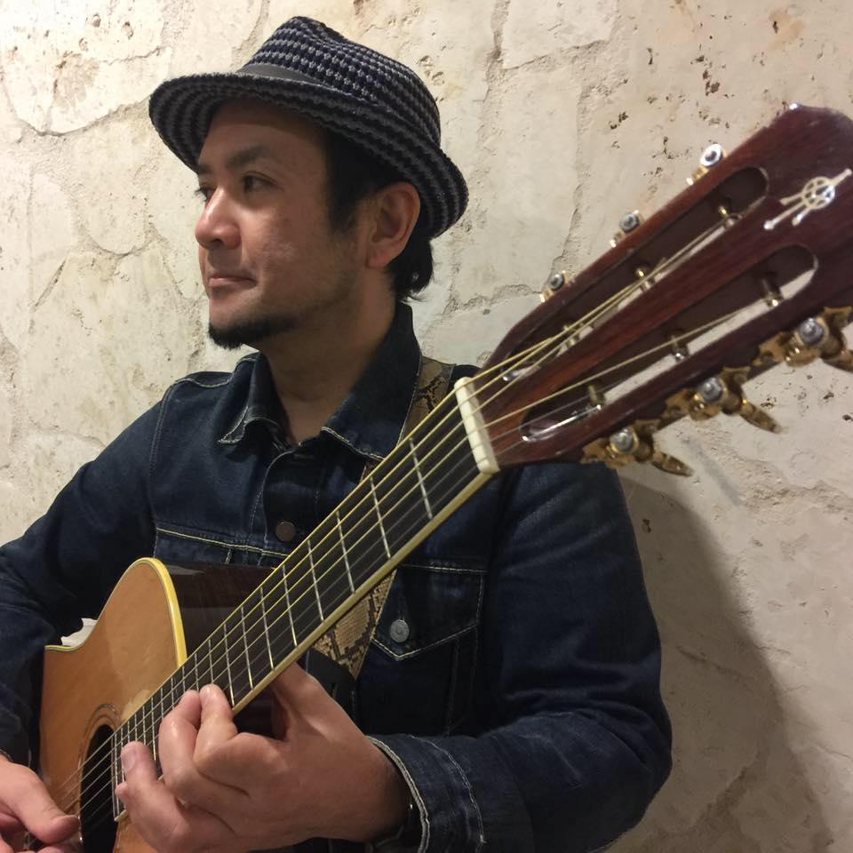 石巻で沖縄のシンガー・ソングライター石垣喜幸さんライブ