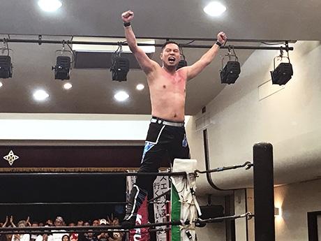 再デビュー戦のタッグマッチを勝利で飾った村上拓也選手