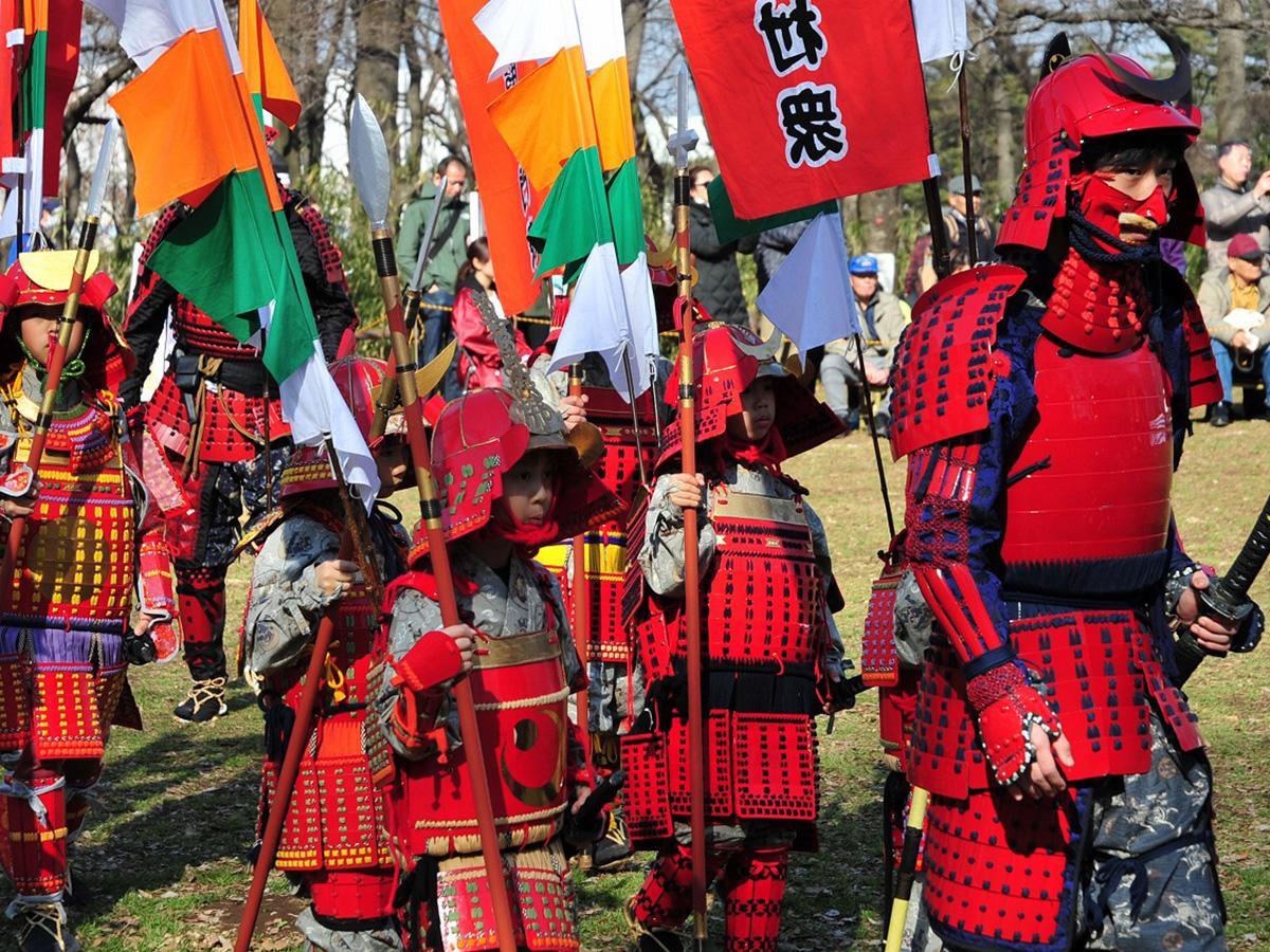 3日は赤塚城址まで武者行列が練り歩く