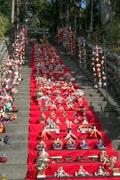 稲取の神社に117段のひな壇登場 今年は「1日だけ」の日本一に