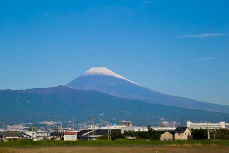 編集部から見える富士山