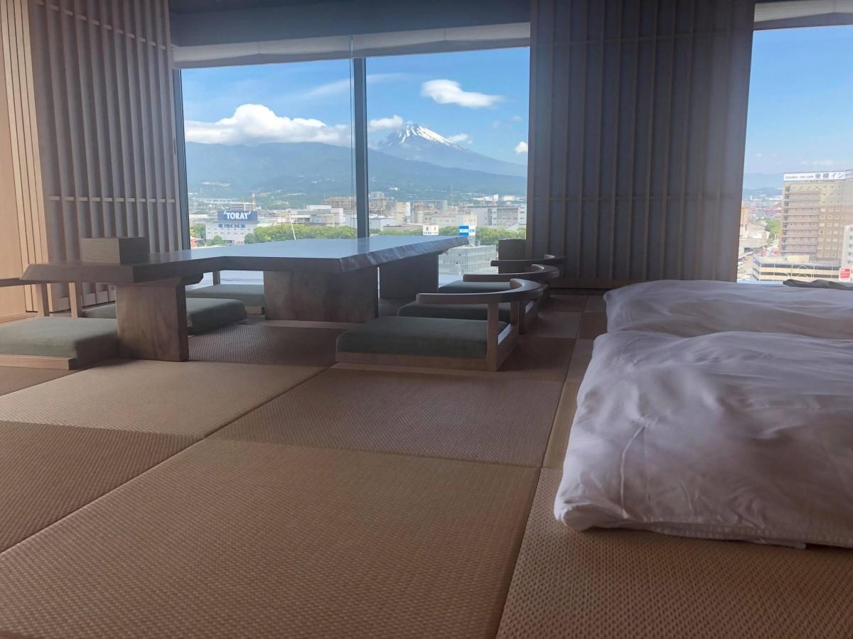 富士山を眺めることができる畳ルーム
