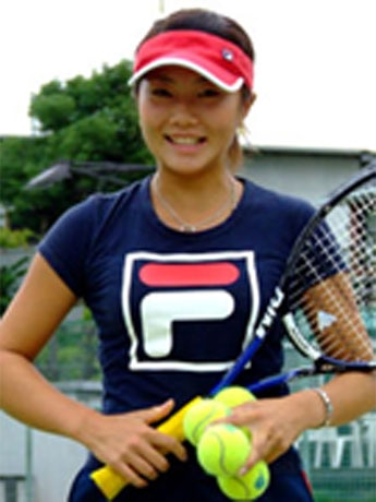 「TEAM自由が丘」所属のプロテニスプレーヤー、田中真梨選手