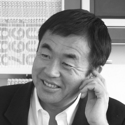ISCカレッジオブアーツ秋期公開特別講義を行う、建築家の隈研吾さん