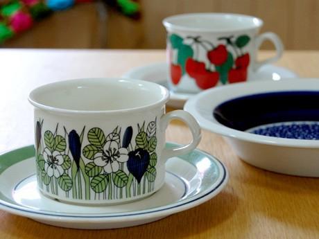北欧のビンテージ陶器を数多く取りそろえる「Fukuya」。写真はフィンランド「アラビア」社製ティーカップ