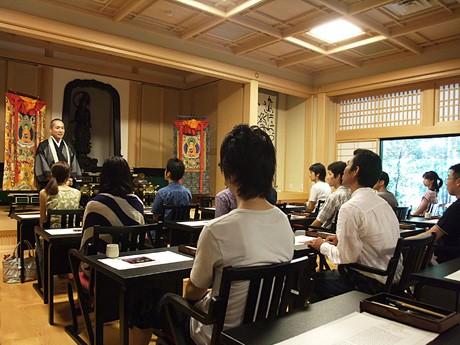 寺社好き男女の合コン企画「寺社コン」(写真は、圓融寺で昨年開催された「写経コン」の様子)