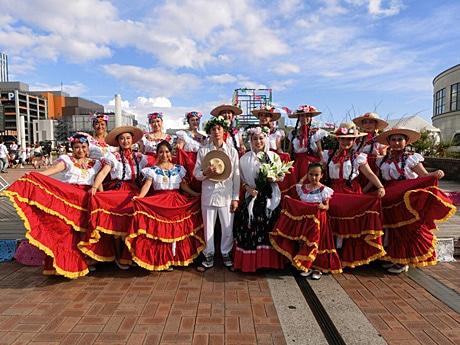 29日出演予定のメキシコ民族舞踊団「ラス・パロミータス」