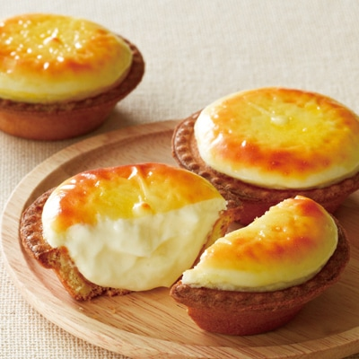 店内でチーズムースから製造するため「工場直売」ならではのできたてが味わえる