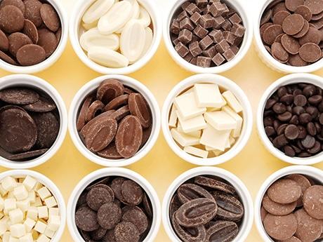 世界各国からセレクトした製菓用チョコレート99種類をテイスティングできる「チョコホリック プレミアムパーティー」(写真はイメージ)