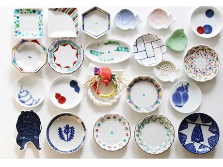 国内の窯元や作家による遊び心を感じさせる楽しい小皿を約80種類そろえた「小皿のマルシェ」展(写真はその一部)