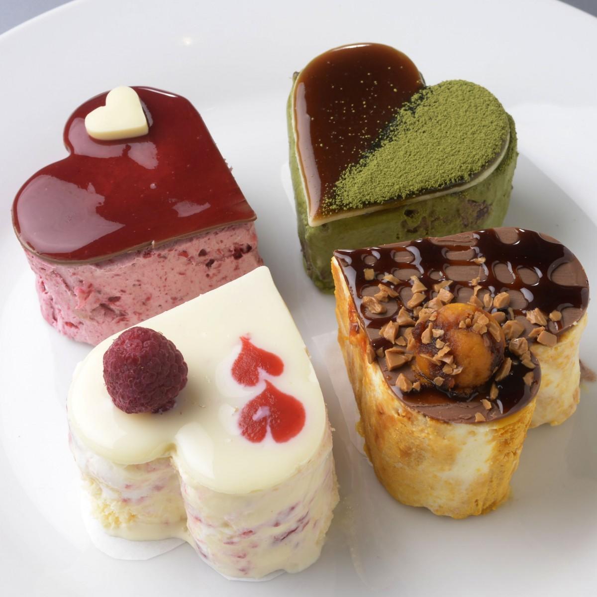 「ラブリーアイスクリーム」メニューから(写真右上から右回りで)「抹茶」「パンプキンタルト」「ラブリーショートケーキ」「ラブリーベリー」