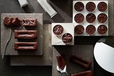 etomo自由が丘に出店するスイーツ店で、BAKEの新業態となるガトーショコラ専門店「Chocolaphil(ショコラフィル)」の商品イメージ