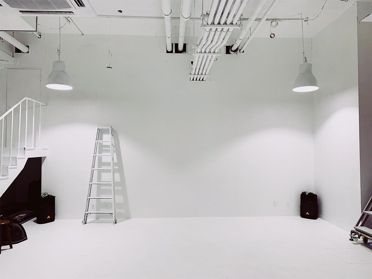 撮影スタジオを自主企画を開催するイベントスペースとしても開放する「Factory」