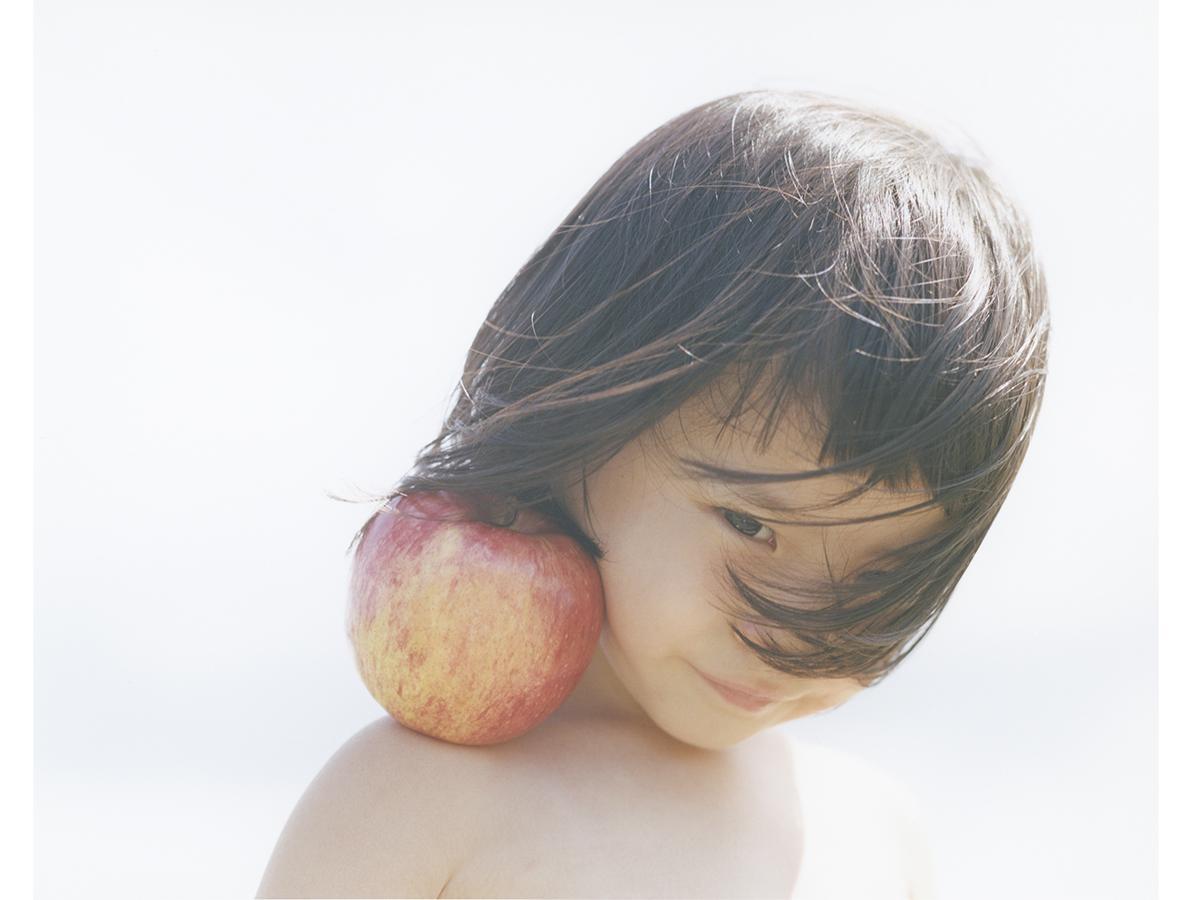 写真家・横浪修さんの写真集「PRIMAL」の作品から