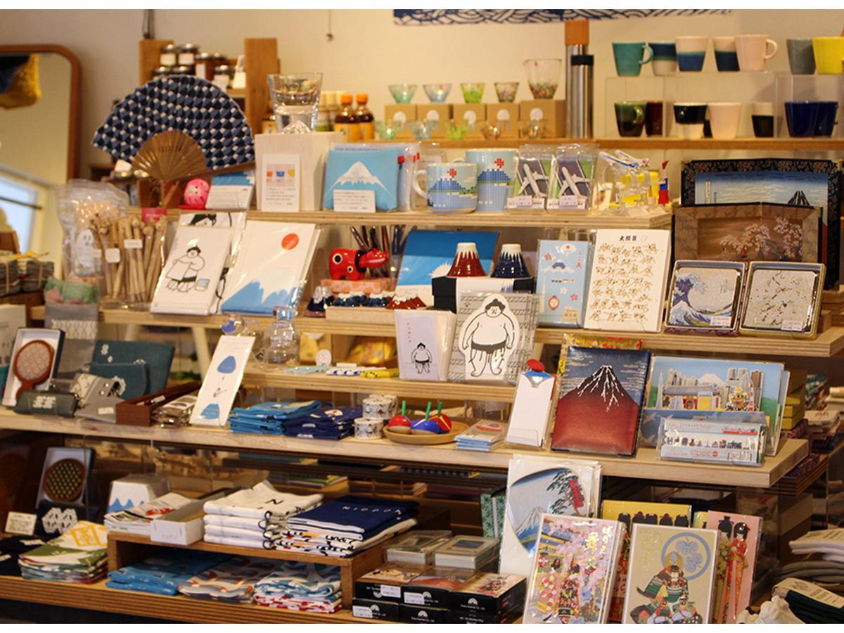 日本の土産を集めた「ホームステイフェア」売り場の様子