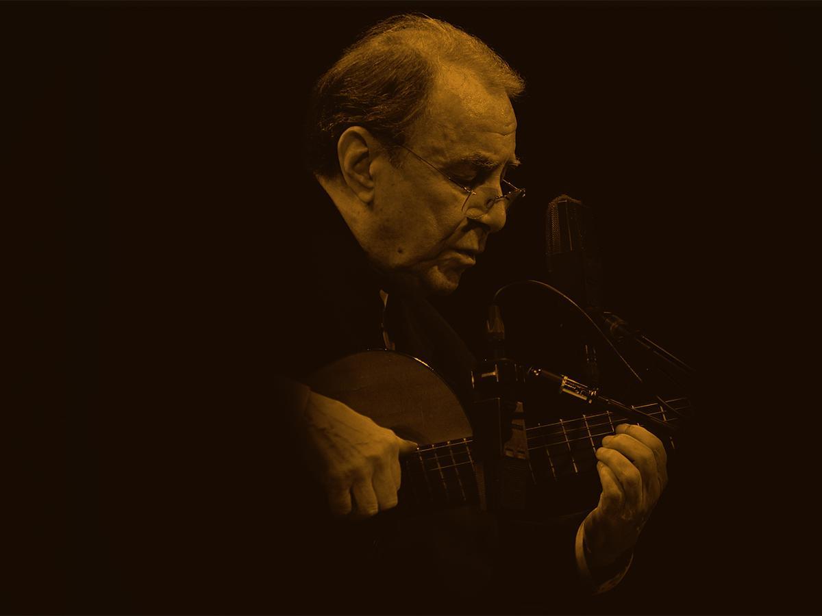 今年7月に88歳で亡くなったブラジルの音楽家ジョアン・ジルベルトさん PHOTO by Hiroshi Nirei, Shinichi Yokoyama