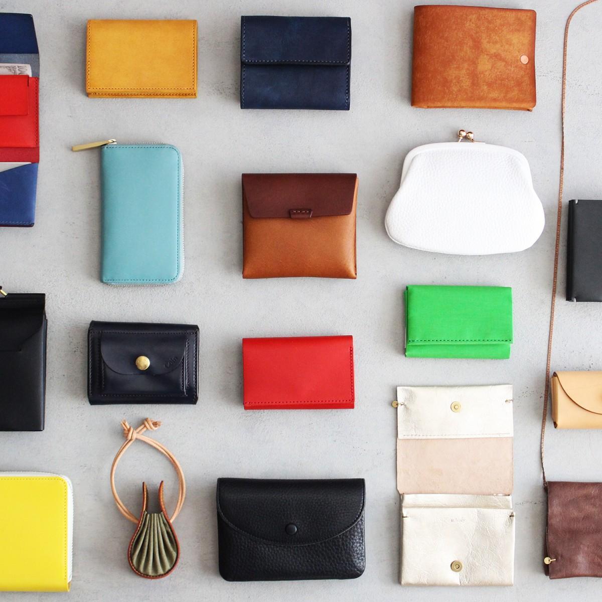 国産ブランド・革作家19ブランドによるミニ財布を取りそろえた「小さなお財布展」