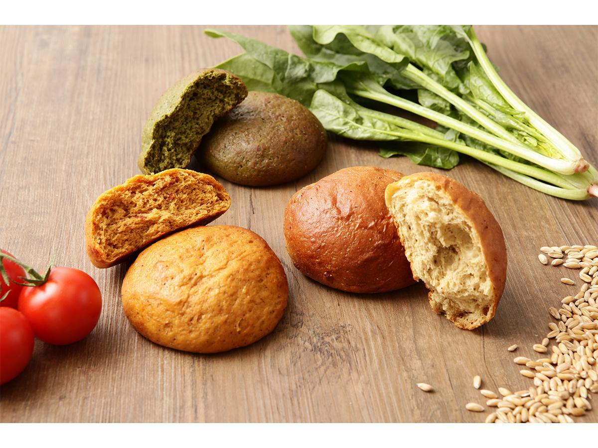 プレーンふすま粉、トマト、ほうれん草のフレーバー3種類をラインアップする低糖質パンブランド「ALLBREAD」