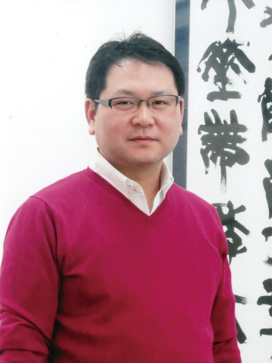 特選を受賞した書家・石川青邱さん