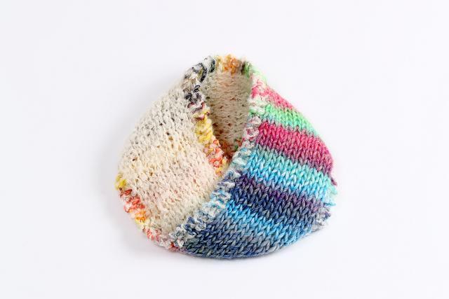 「手編み男子教室」で作る手編みのスヌード(作品イメージ)