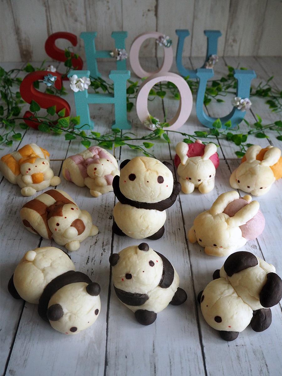 動物のポーズや色ごとにフレーバーが異なる「動物キャラパン」シリーズは「ぱんだパン」(写真中央)、「うさぎパン」(同右)、「りすパン」(同左)などをラインアップ