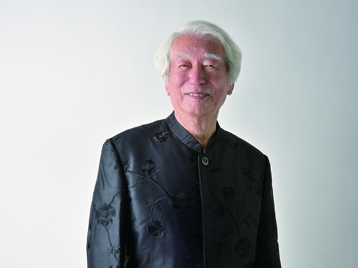 昨年秋には演奏生活60周年、今年11月には85歳を迎える「左手のピアニスト」舘野泉さん  Photo © SONOE