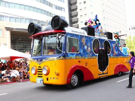 鹿児島市で第60回「おはら祭」開催。本まつりでは、東京ディズニーリゾート・スペシャルパレードも行われた。