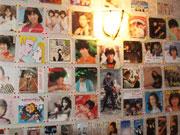 天文館に昭和の歌謡曲バー、壁一面にレコードジャケット、懐かしの映像も