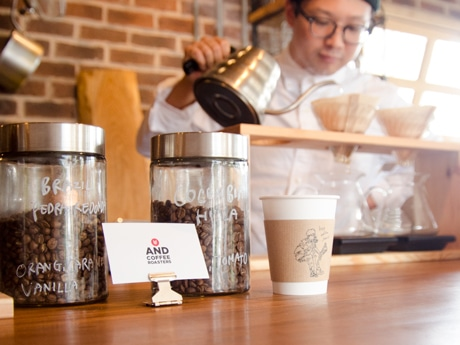 名山町にコーヒースタンド 朝7時から入れたてのスペシャリティコーヒーを