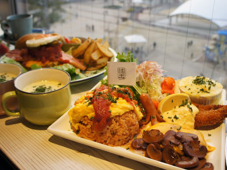 鹿経の年間PVランキング1位はカフェで「大人も食べたいお子さまランチ」